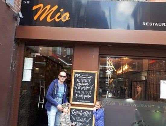 Mio Restaurant bar